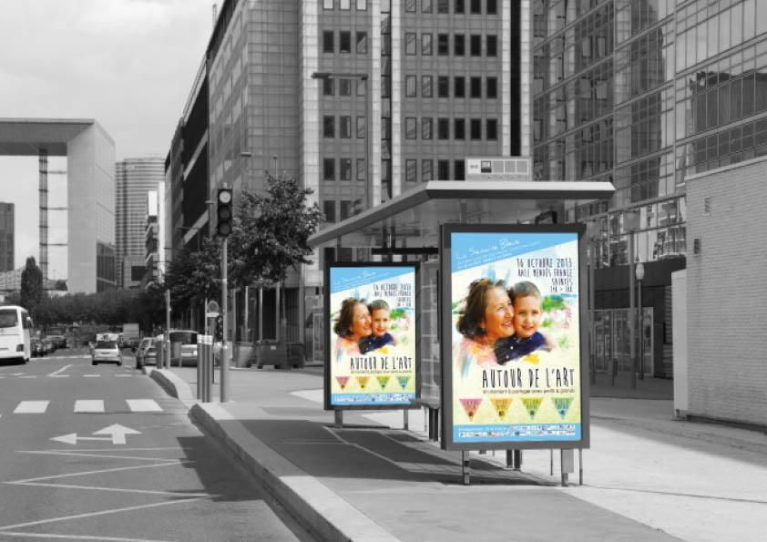 Abri Bus espace publicitaire réalisé par l'agence de communication PLUSCOM à La Rochelle